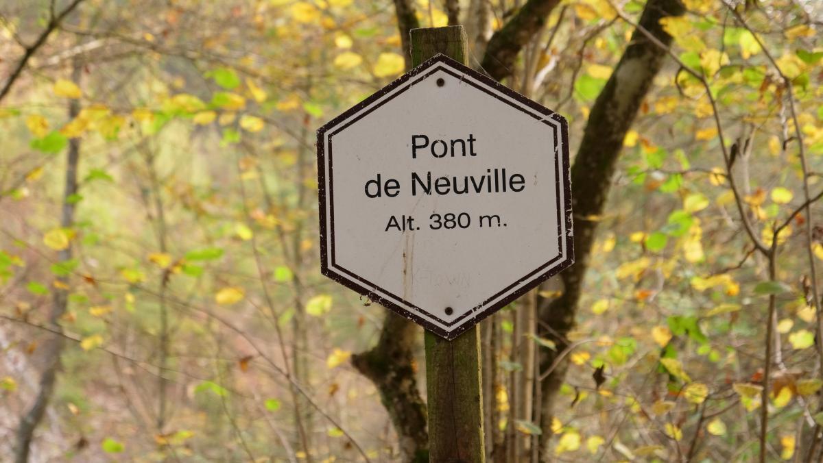 panneau-pont-neuville-balade.jpg